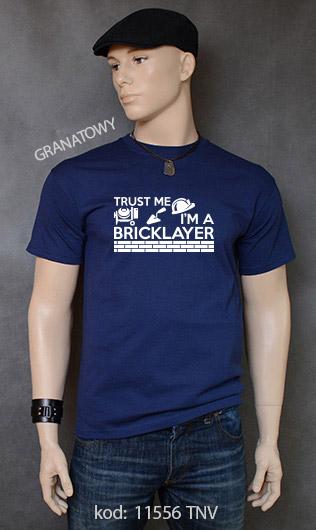koszulka męska TRUST ME I'M A BRICKLAYER kolor granatowy