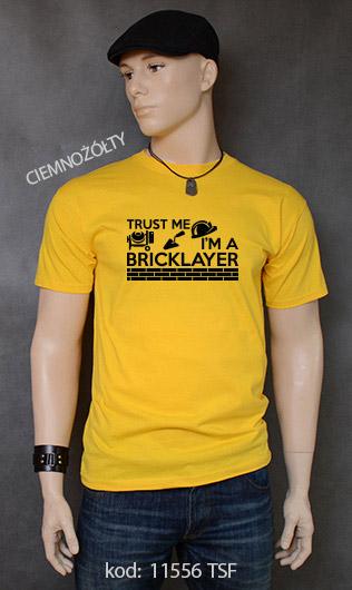 koszulka męska TRUST ME I'M A BRICKLAYER kolor ciemnożółty