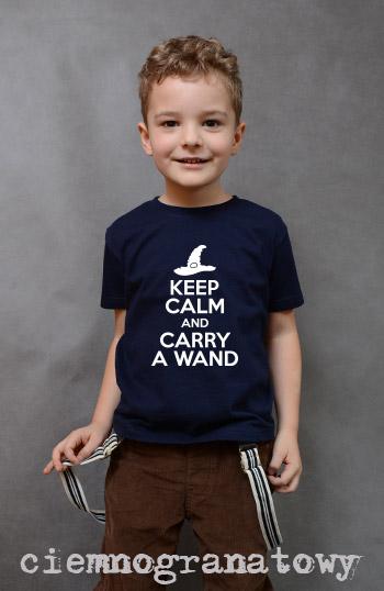 koszulka chłopięca KEEP CALM AND CARRY A WAND kolor ciemnogranatowy
